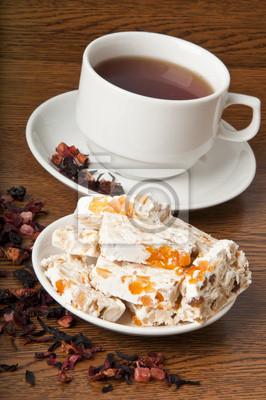 Orientalne słodycze i herbata owocowa
