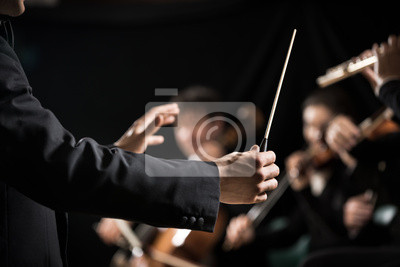 Plakat Orkiestra dyrygent na scenie