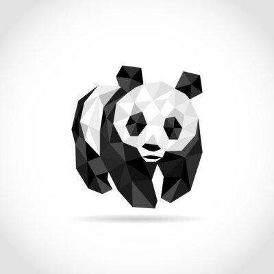 Plakat panda w stylu wielokąta. low poly wzór w trójkątach