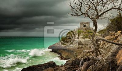 Panoramiczny widok na stary Strażnicy w starożytnym mieście Tulu