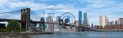 Plakat Panoramiczny widok z dolnego mostu Manhattan i Brooklyn w Nowym Yor