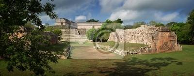 Plakat Panoramiczny widok z ruin piramid Majów w Uxmal