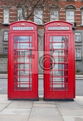 Plakat Para typowe, czerwone budki telefoniczne w Londynie