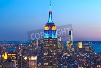 Plakat Pejzaż widok Manhattanu z Empire State Building w Nowym Jorku, USA w nocy