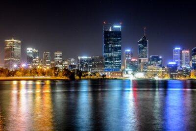 Plakat Perth, Australia Skyline odzwierciedlone w Swan River
