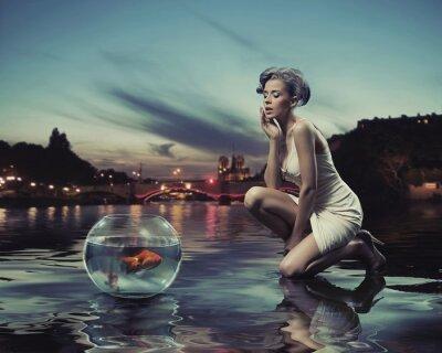 Plakat Piękna pani złota ryb