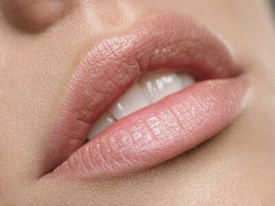 Plakat Piękne naturalne usta
