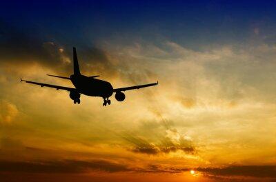 Plakat Piękny widok z sylwetką samolotu