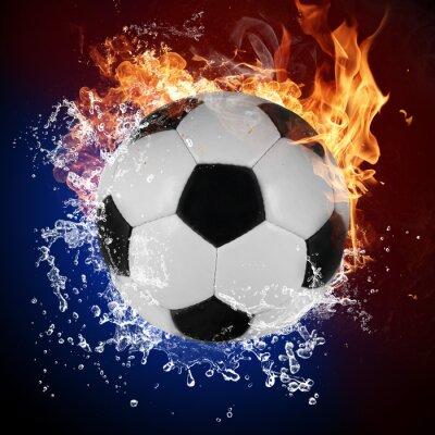 Plakat Piłka nożna w płomieniach ognia i zalewaniem