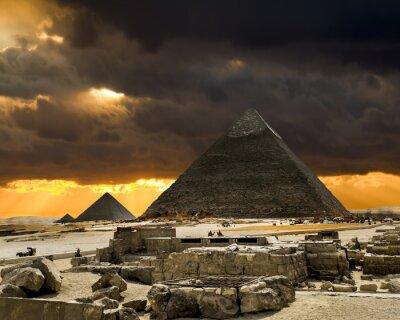 Plakat Piramidy w Gizie w tle Zachód słońca, Kair, Egipt