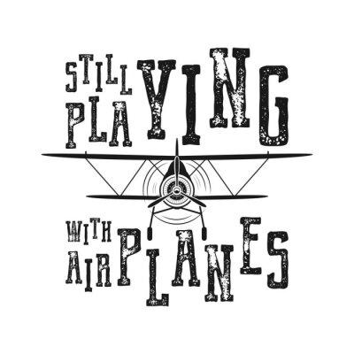 Plakat Plakat z lotu - wciąż gra z wyceną samolotów. Retro styl monochromatyczny. Vintage ręcznie rysowane projekt samolotu na koszulkę, kubek, godło lub naszywkę. Akcyjna wektorowa retro ilustracja z dwupła