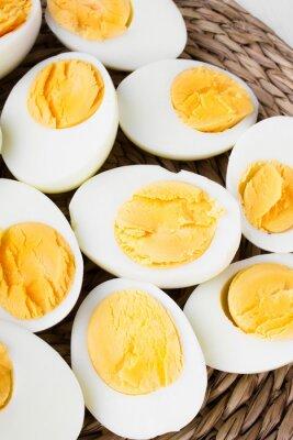 Plakat pokrojone jajka na twardo