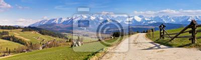 Plakat Południowa Polska Panorama z ośnieżonych Tatr na wiosnę,