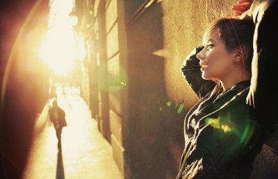 Plakat Profil portret młodej kobiety