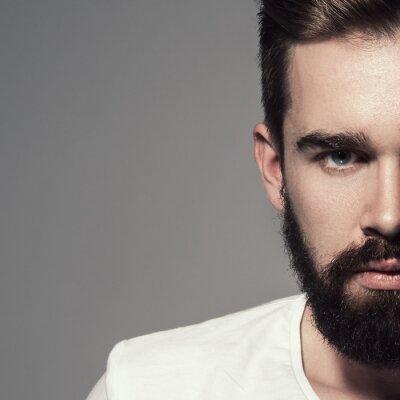 Plakat Przystojny mężczyzna z brodą