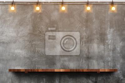 Plakat Puste brązowe deski drewniane deski półki na ścianie betonowej grunge z żarówka ciąg partii tło, makiety do wyświetlania lub montaż produktu lub projektu