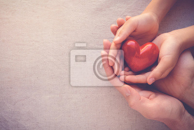 Plakat R? Ce doros? Ego i dziecka sta? Ego czerwonego serca, opieki zdrowotnej mi? O? Ci i koncepcji rodziny