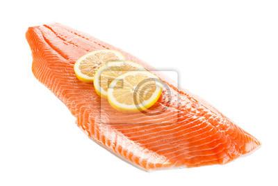 Plakat Raw filet z łososia na białym tle