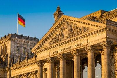 Plakat Reichstag budynku o zachodzie słońca, Berlin, Niemcy