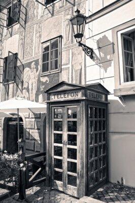Plakat Retro drewniane pudełko telefon na starych ulicach Cesky Krumlov