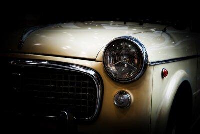 Plakat Retro klasyczny samochód na czarnym tle. Vintage, eleganckie