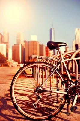 Plakat Rowerów i widok na Manhattanie