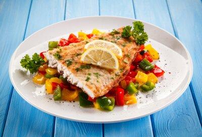 Plakat Ryby danie - smażony filet z ryby i warzywa