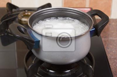 Plakat Ryż gotowanie w garnku na kuchence