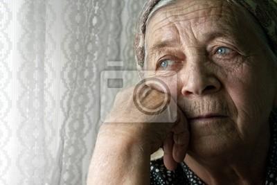 Plakat Sad samotny zamyślony stara kobieta wyższych