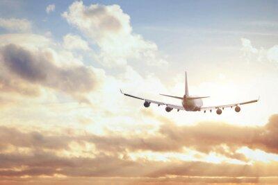 Plakat samolot w niebo słońca