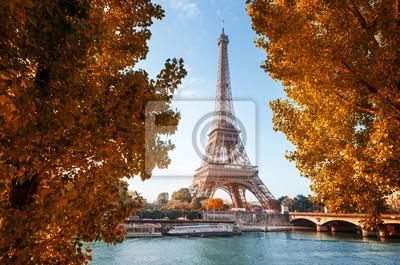 Plakat Seine w Paryżu z wieży Eiffla w czasie jesieni