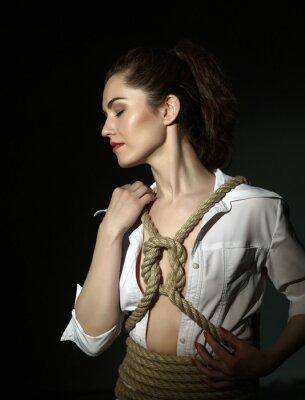 Plakat Shibari. Piękny model związany z liny