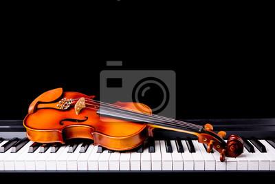 Plakat Skrzypce na fortepian na czarnym tle