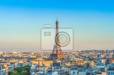 Plakat skyline of paris with eiffel tower at dusk