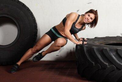 Plakat sportowy kobieta robi pompek