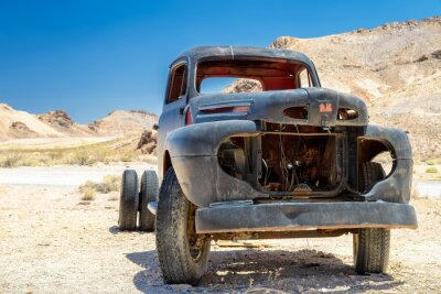 Plakat Stara ciężarówka na pustyni, Death Valley, California