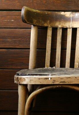 Plakat Stare grunge rocznika krzesło na drewnianym tle