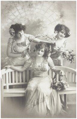 Plakat stare zdjęcia trzech młodych kobiet