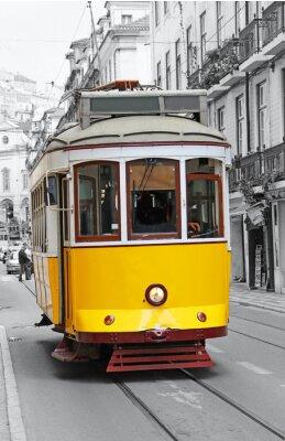 Plakat Stary żółty tramwaj w Lizbonie