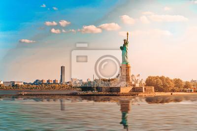 Plakat Statue of Liberty (Liberty Enlightening the world) near New York.