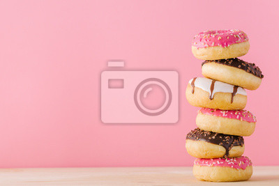 Plakat Sterta różni donuts na menchiach
