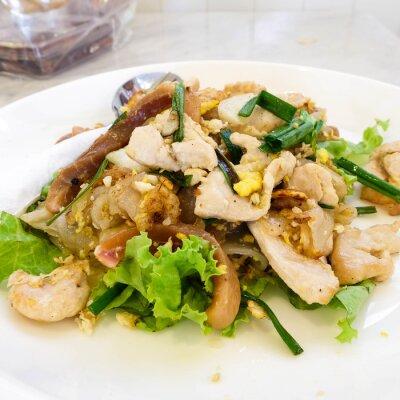 Plakat Stir Fried Rice Noodle z kurczaka, tajski styl