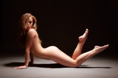 Plakat Studio fotografii harmonous dziewczyna pozowanie nago