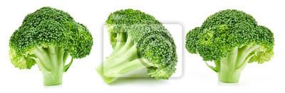 Plakat surowe brokuły na białym tle