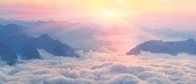 Plakat Świt nad morzem mgły