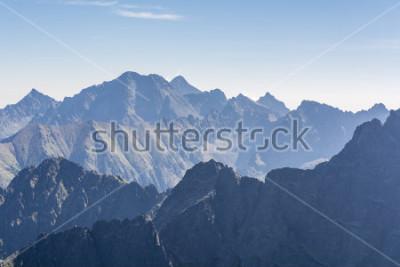 Plakat Szczyty górskie w Tatrach rano