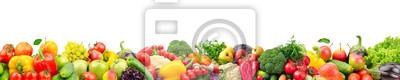 Plakat Szeroki kolaż świezi owoc i warzywo dla układu odizolowywającego na białym tle.
