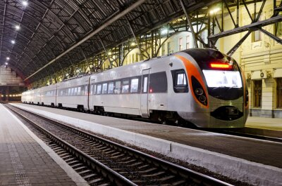Plakat Szybki pociąg na stacji kolejowej