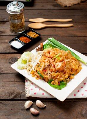 Plakat Tajlandia stylu makaron, wymieszać, smażone kluski ryżowe (Pad Thai)