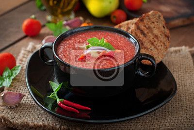 Tomato gazpacho soup with pepper and garlic